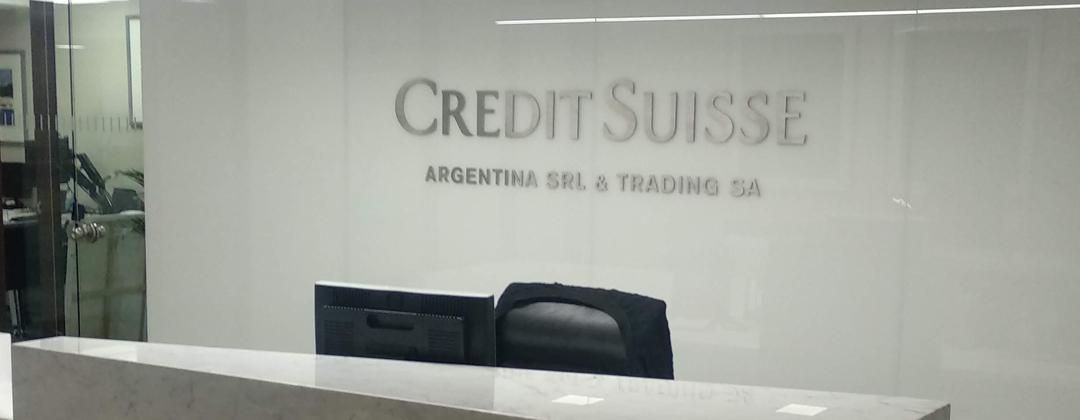 Credit Suisse -  Logo inoxidable - Signage, Wayfinding  - señaletica señalizacion